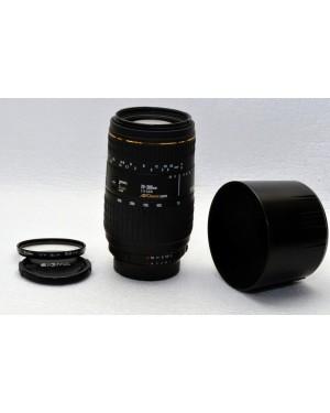 Nikon AF-D Sigma 70-300mm F4-5.6 D Apo Macro