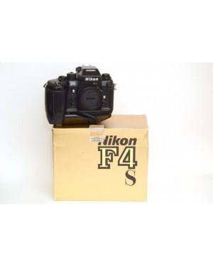 Nikon F4s con Motore MB-21 Scatolata Cristalli liquidi del contapose con problemi