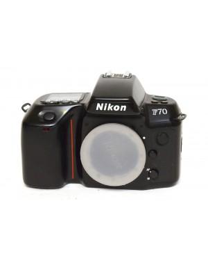 Nikon F-70 solo corpo in discrete condizioni. Fotocamera a pellicola